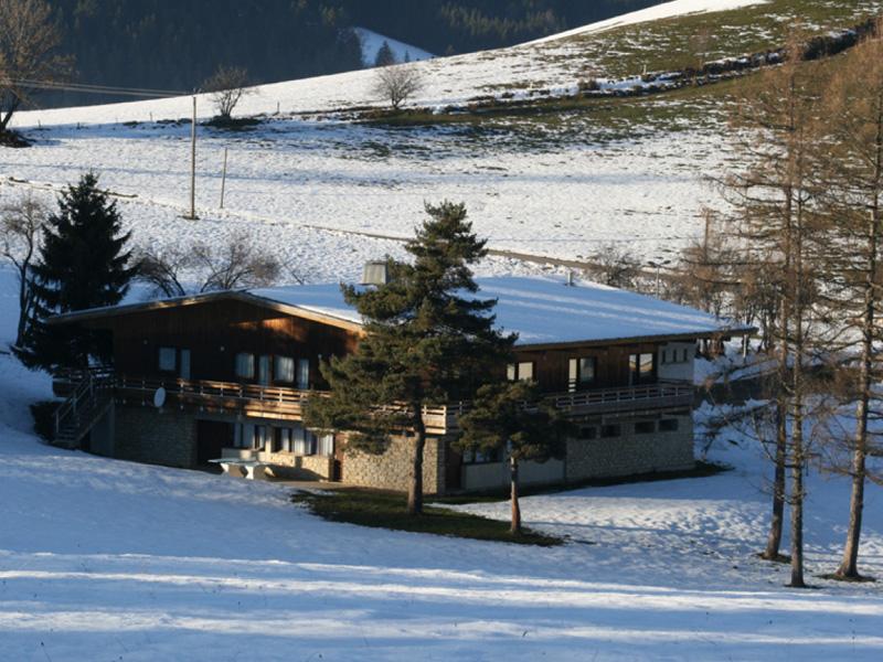 EJ'N--classes-de-neige,-classes-de-montagne-MEAUDRE-centre-d'accueil-les-chaberts-02